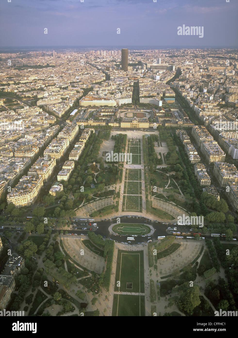 Ansicht von Paris vom Eiffelturm entfernt. Stockbild