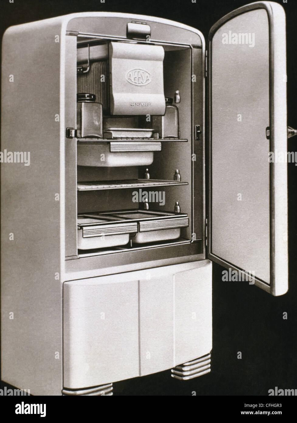 Erste elektrische Kühlschrank in Spanien von AEESA Marke (Anglo-Espanola de Electricidad SA) produziert. 50. Stockbild
