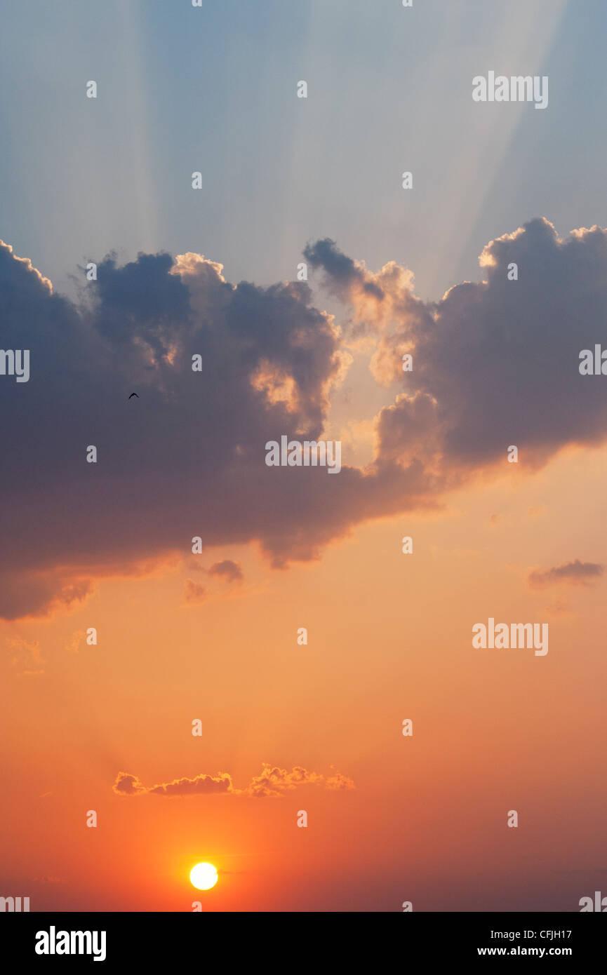 Indischen Sonnenuntergang Himmel. Andhra Pradesh, Indien Stockbild