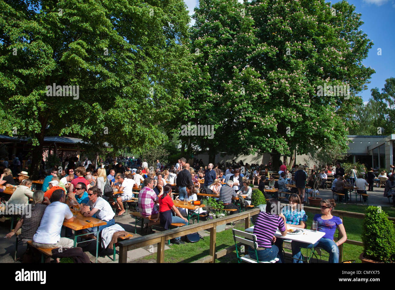 Cafe und Bier Garten Am Neuen See im Tiergarten, Berlin, Deutschland Stockbild