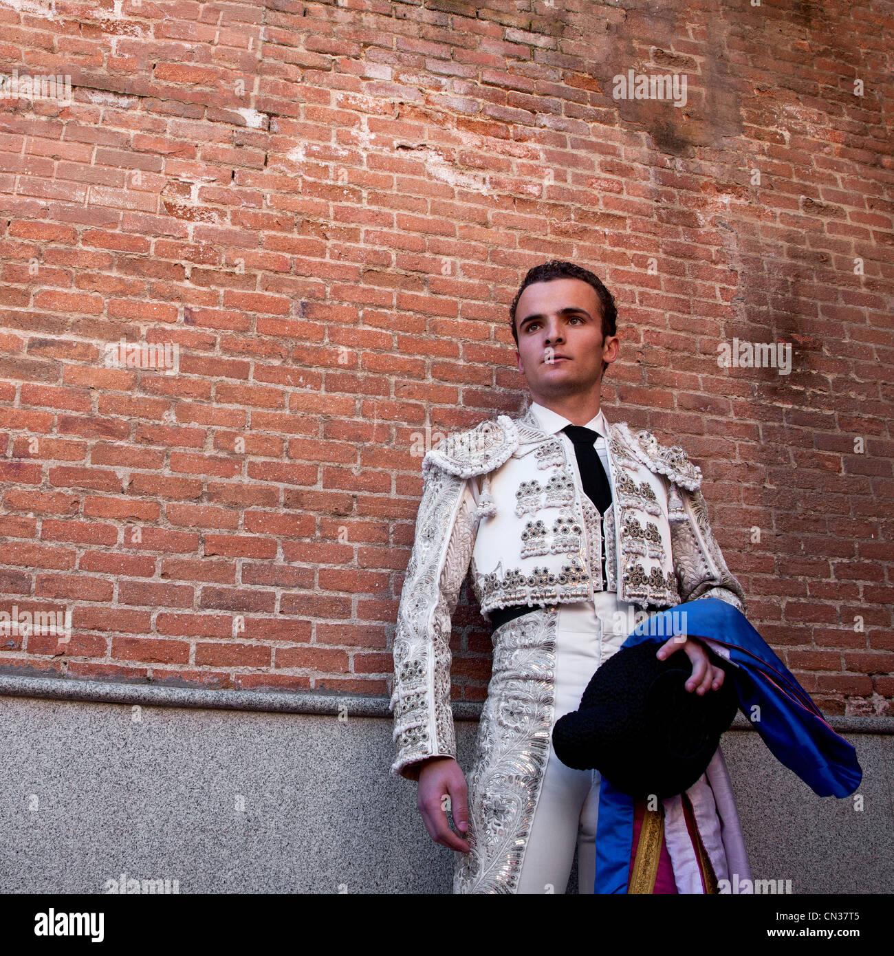 Stierkämpfer tragen traditionelle Kleidung bei der Eröffnungsfeier, Stierkampfarena Las Ventas, Madrid Stockbild