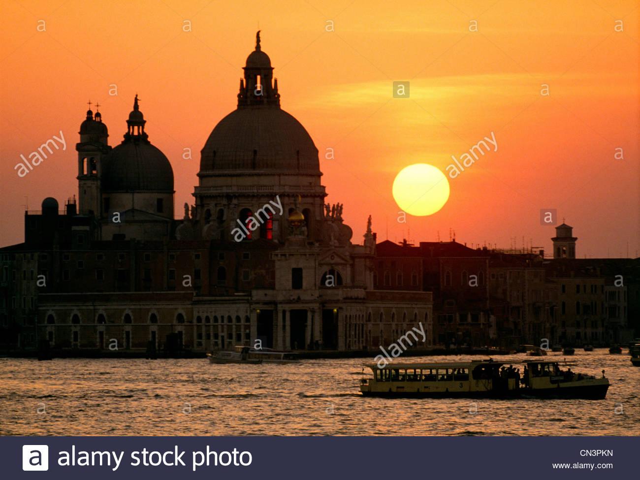Basilika San Marco Silhouette gegen Sonnenuntergang, Venedig, Italien Stockbild