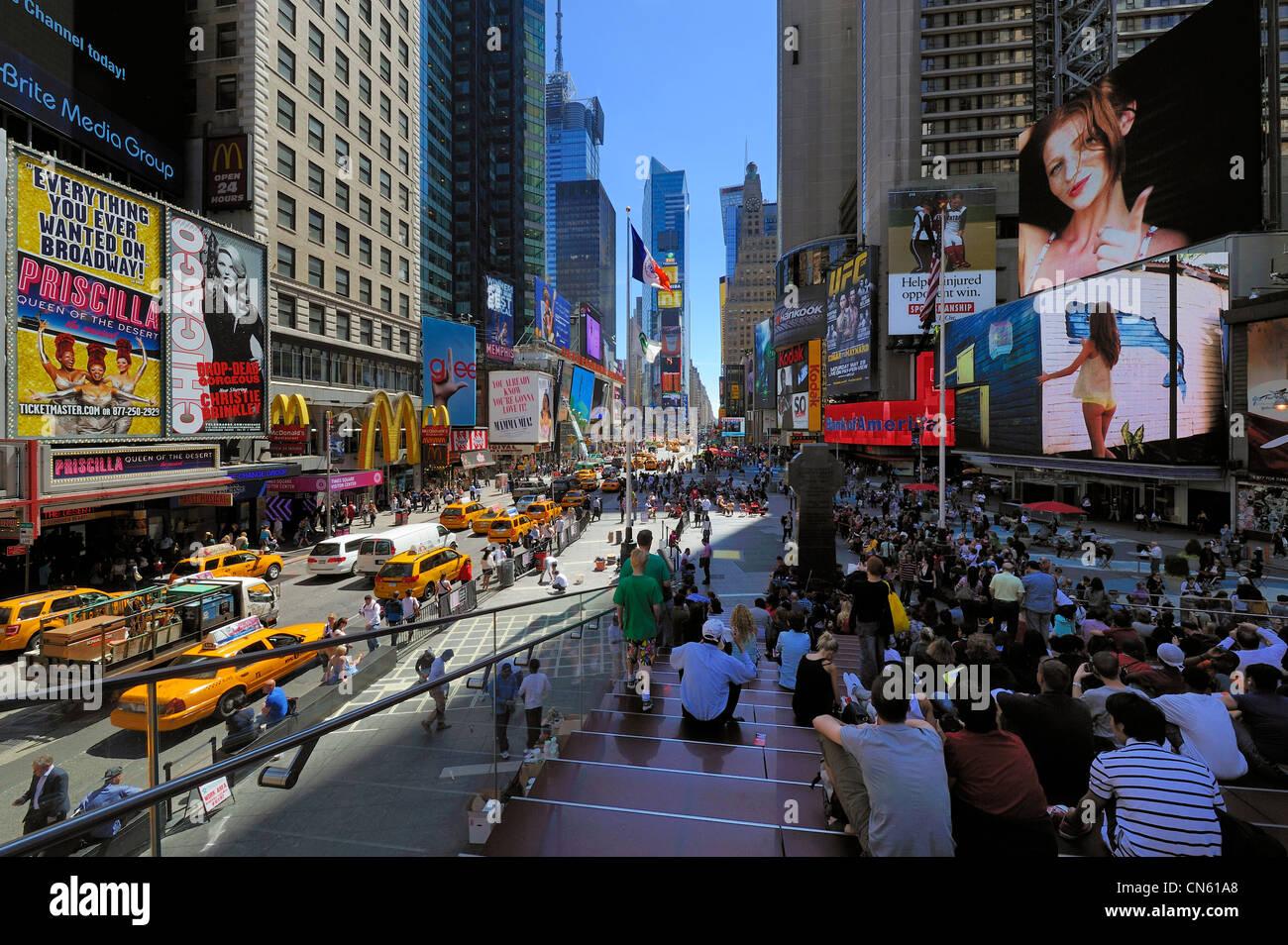 Vereinigte Staaten, New York, Manhattan, Midtown, Times Square, Straßenszene Stockbild