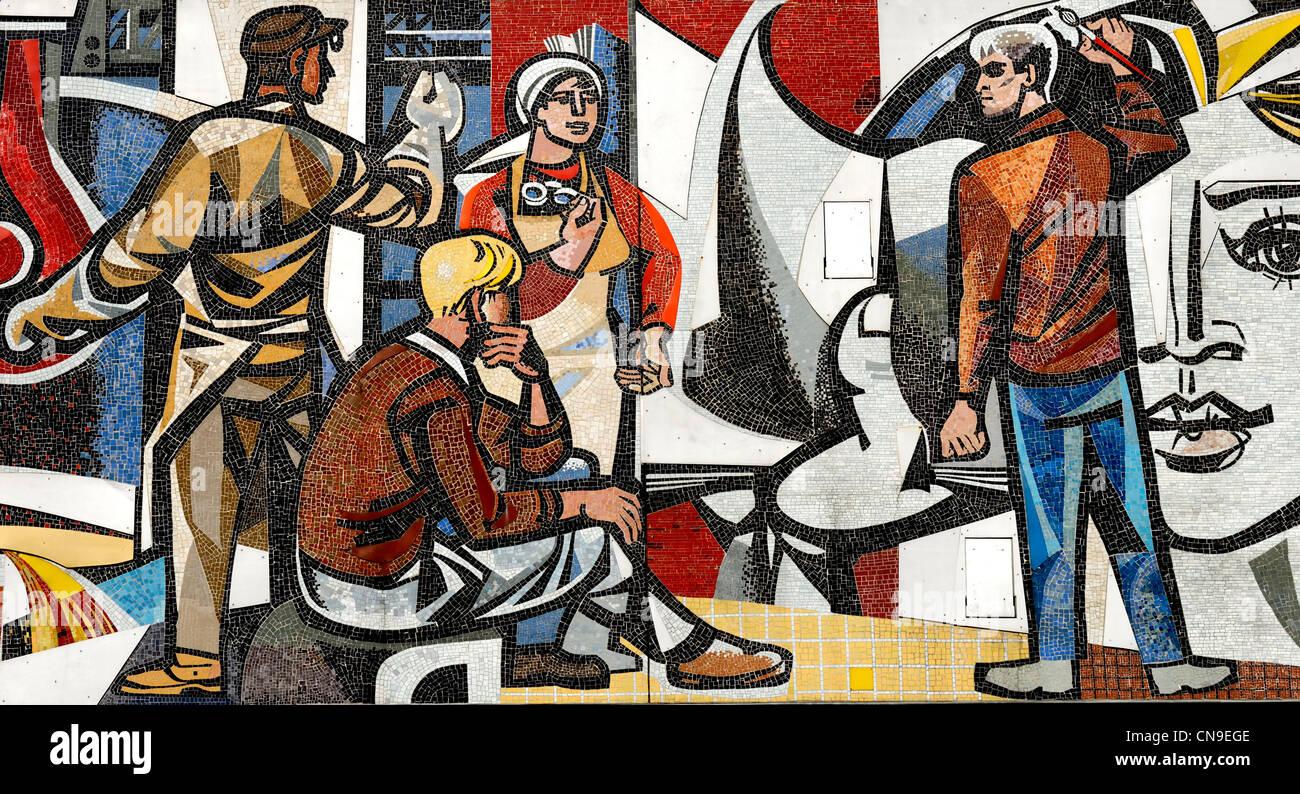 """Berlin, Deutschland. Detail aus """"Unsere Leben"""" (""""unser Leben"""") Mosaik (1962 / 63) von Walter Stockbild"""