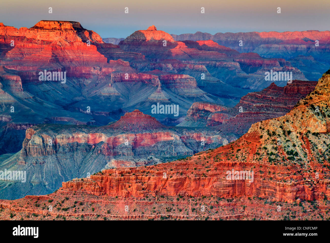 Sonnenuntergang auf Mutter Punkt, South Rim, Grand Canyon National Park (Arizona, USA). HDR-Technik. Stockbild
