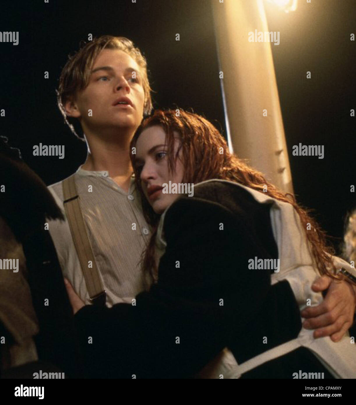 TITANIC (1997) LEONARDO DICAPRIO, KATE WINSLET, JAMES CAMERON (DIR) 044 MOVIESTORE SAMMLUNG LTD Stockbild