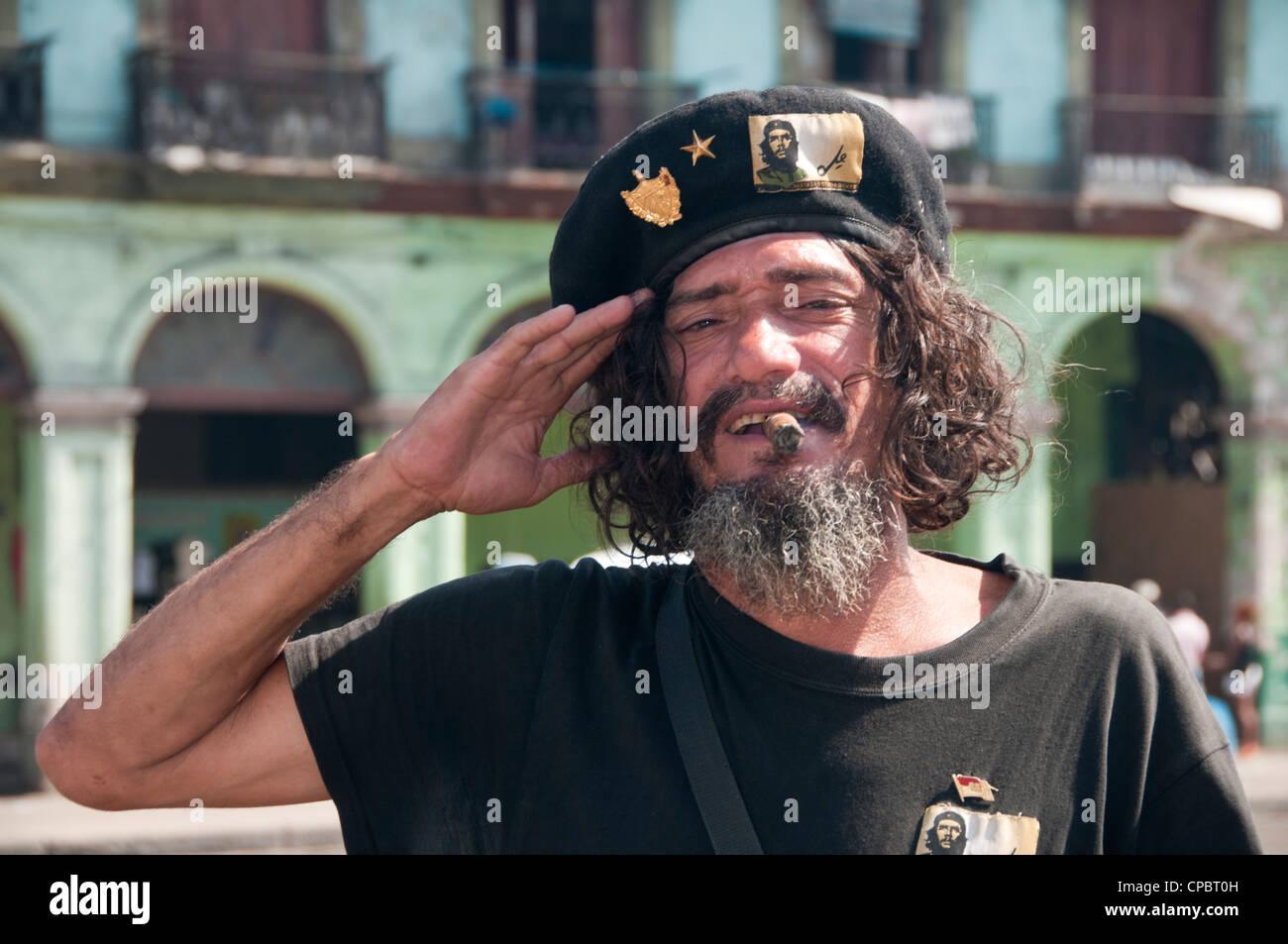 Che Guevara-Imitator in Habana Vieja (Altstadt Havanna) Havanna, Kuba Stockbild