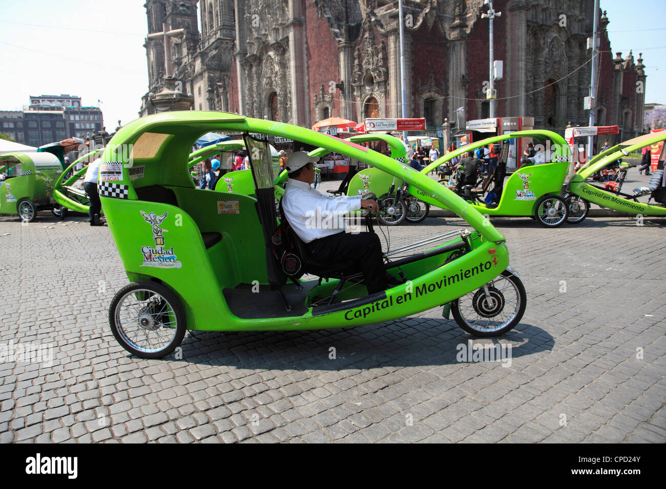 Eco friendly Fahrradrikscha, Zocalo, Plaza De La Constitución, Mexico City, Mexiko, Nordamerika Stockbild