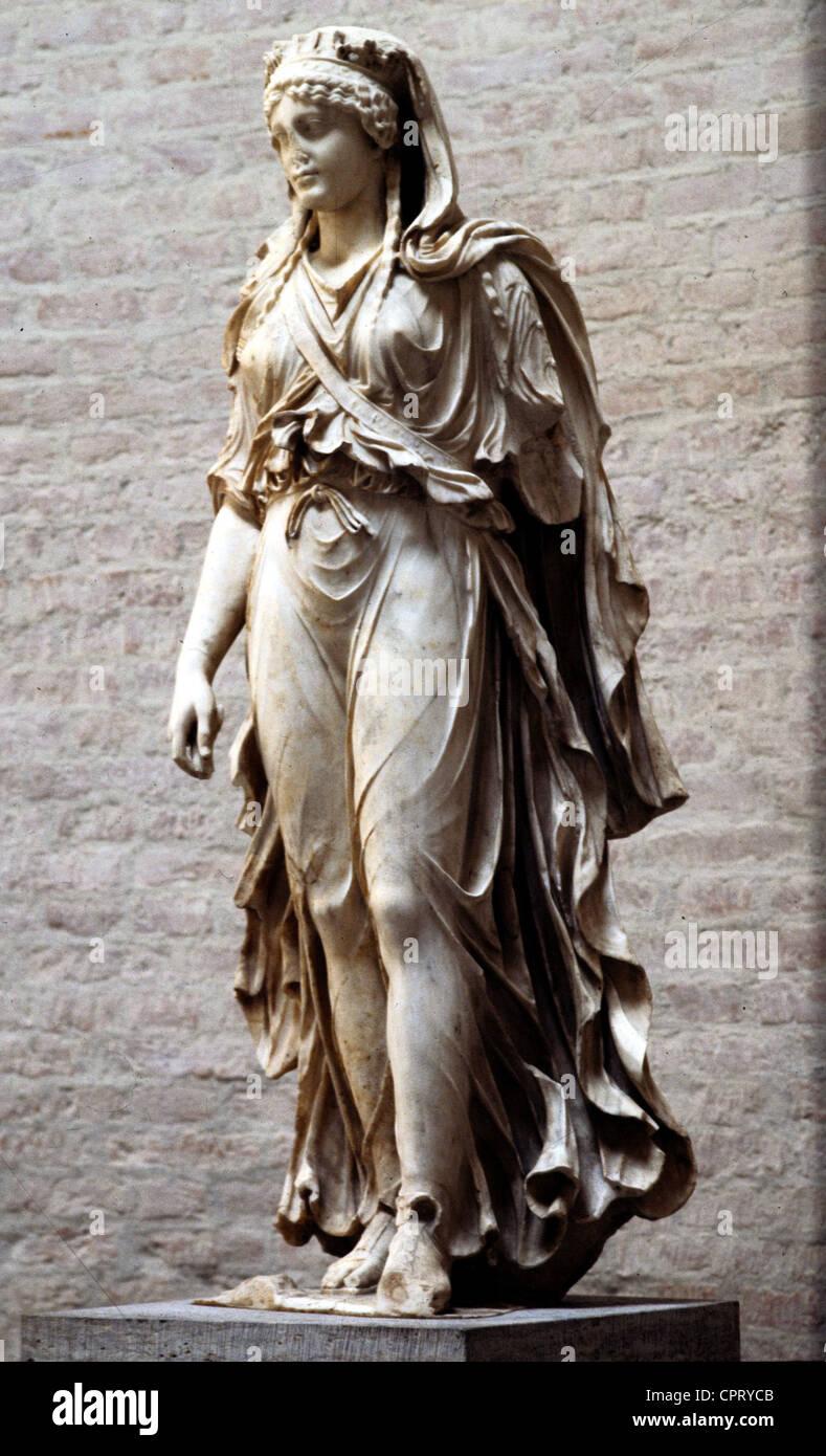 Artemis (lateinisch: Diana), griechische / römische Göttin der Jagd, Statue aus dem 1. Jahrhundert n. Stockbild