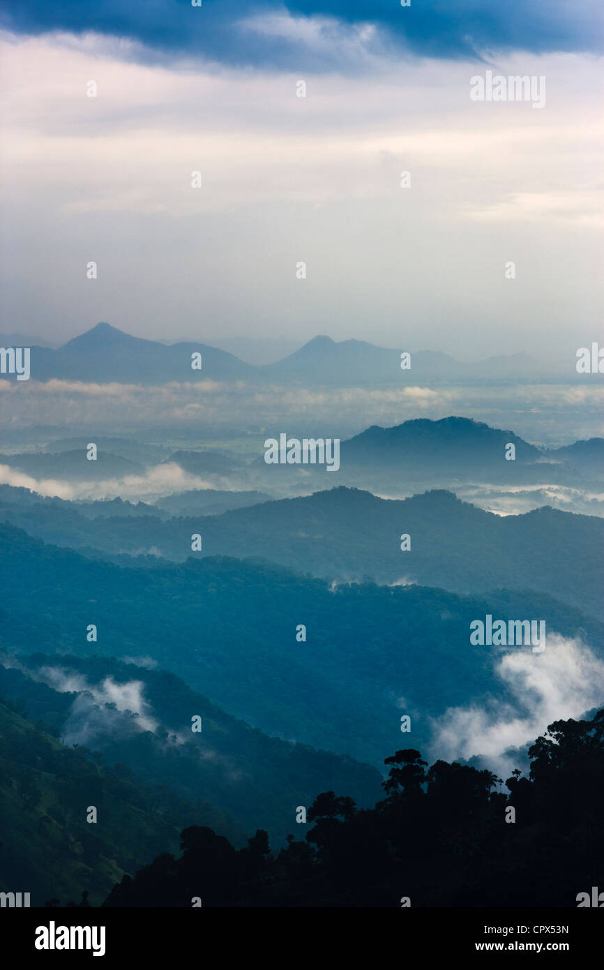 die Ella Gap bei Dämmerung, südlichen Hügelland, Sri Lanka Stockfoto
