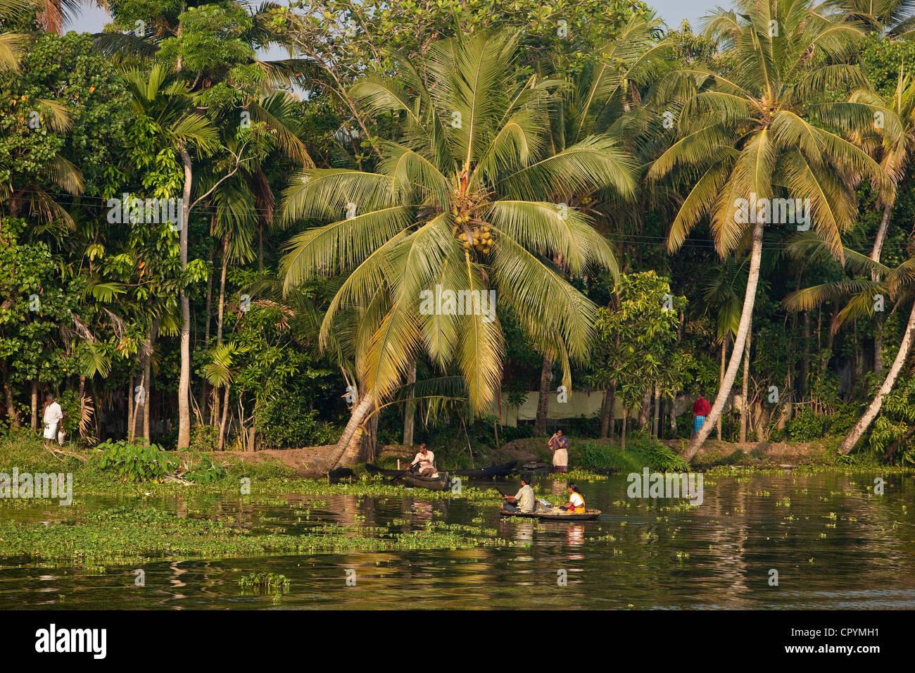 """Indien, Bundesstaat Kerala, Allepey, den """"Backwaters"""" Alltag entlang der Kanäle in den Morgen Stockbild"""