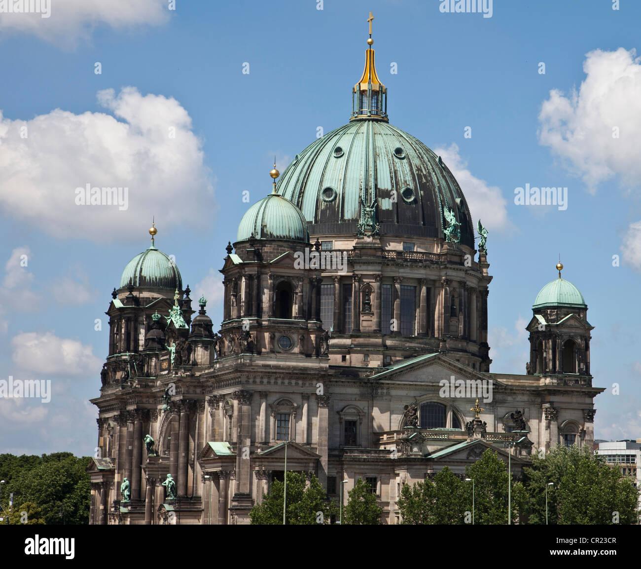 Reich verzierte Kuppel des Doms Stockbild