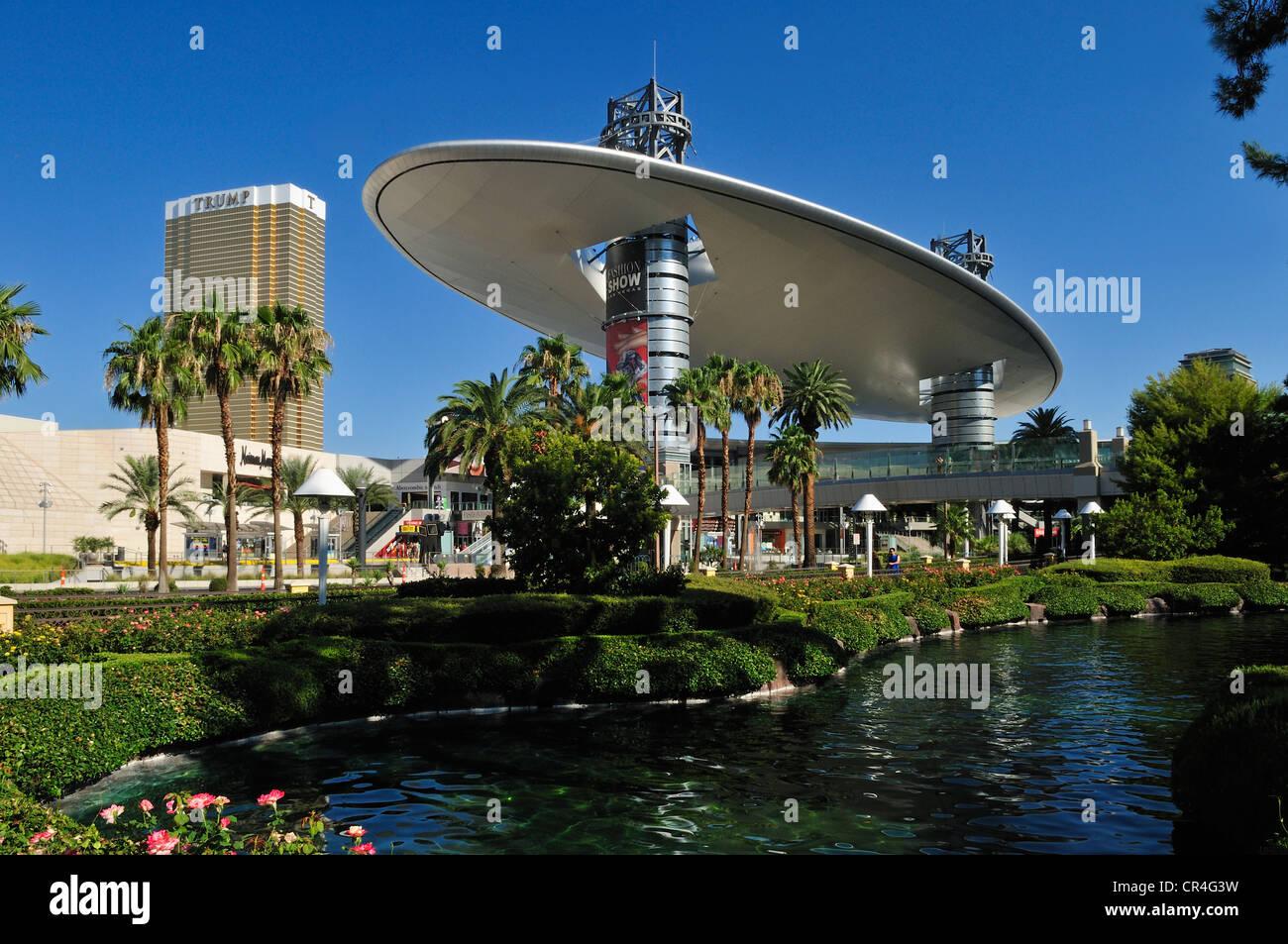 Straßenbild entlang der Strip, Las Vegas, Nevada, USA, Nordamerika Stockbild