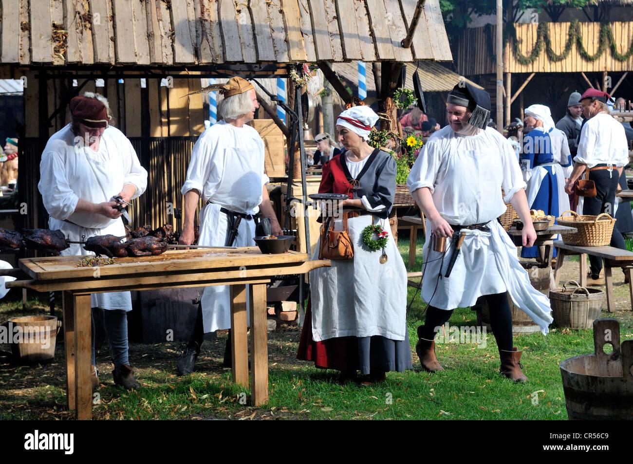 Alltag in ein mittelalterliches Lager während der Landshuter Hochzeit 2009, eines der größten historischen Stockbild
