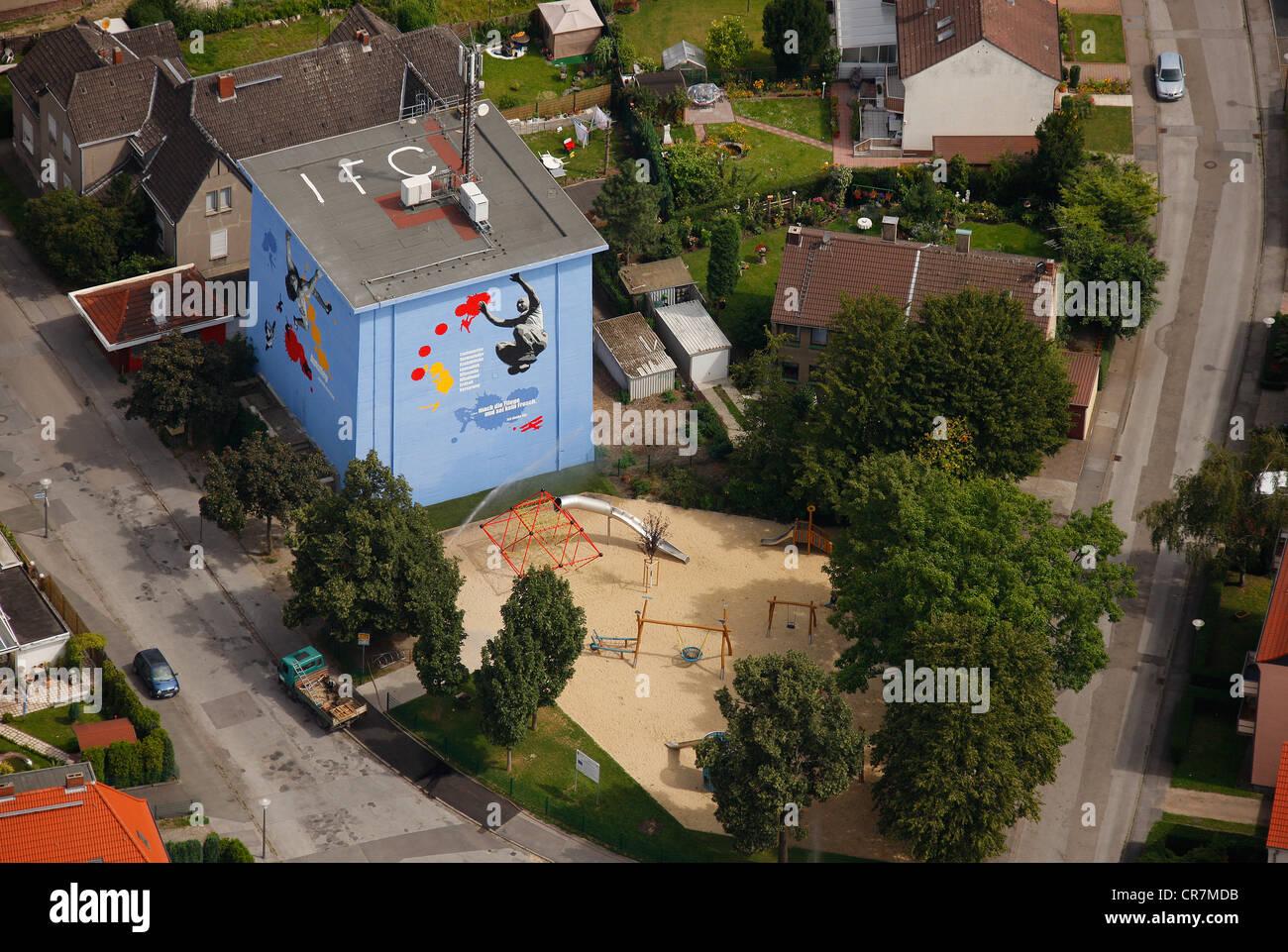 Luftaufnahme, Nachbarschaft Verschönerung, malte Bunker, Rossheidestrasse, Essen, Ruhrgebiet, Nordrhein-Westfalen Stockbild