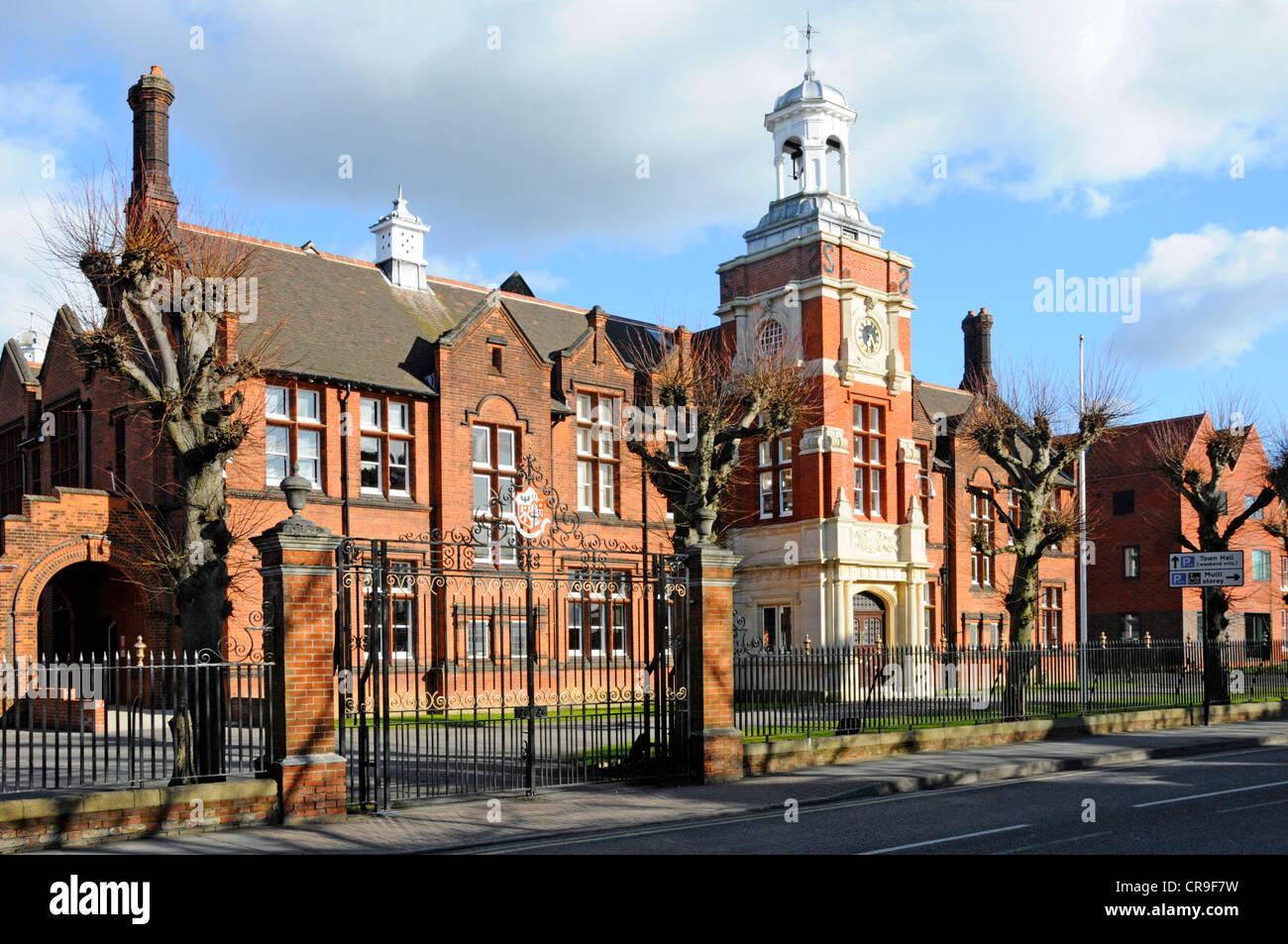 How Old Is Wakeman School Building Shrewsbury