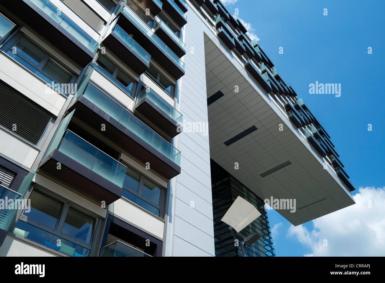 modernen gehobenen wohnhauses im rheinauhafen neuer stadtteil gewerbe und wohnimmobilien in. Black Bedroom Furniture Sets. Home Design Ideas