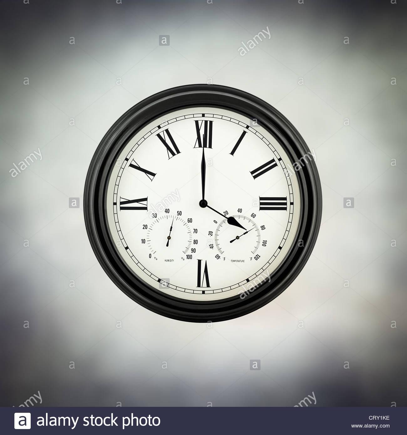 4 Uhr Stockbild