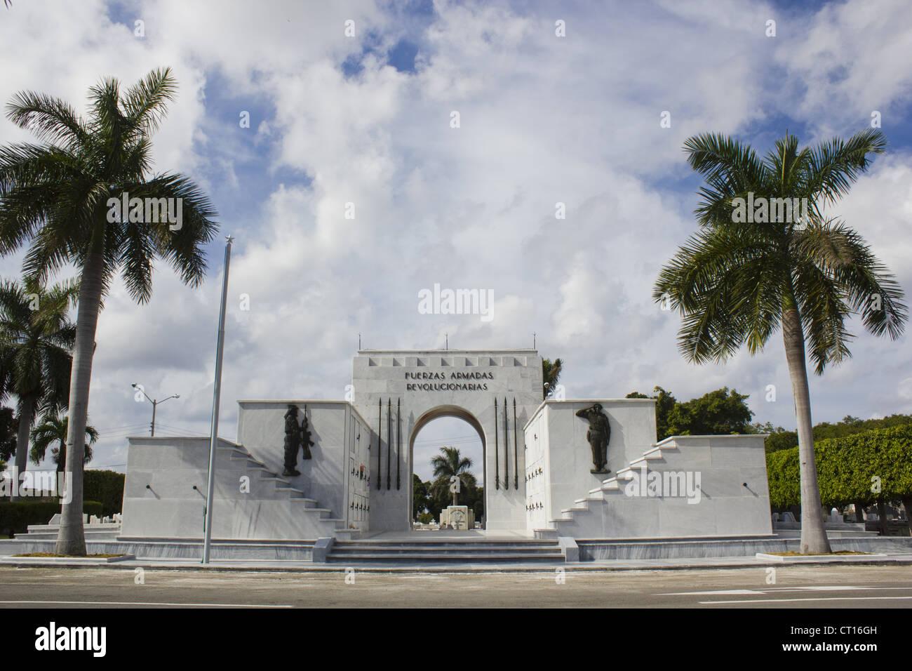 Verzierten Eingang zum Park mit Palmen Stockbild