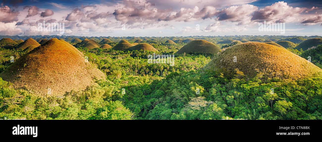 Panorama der Chocolate Hills. Bohol, Philippinen Stockbild