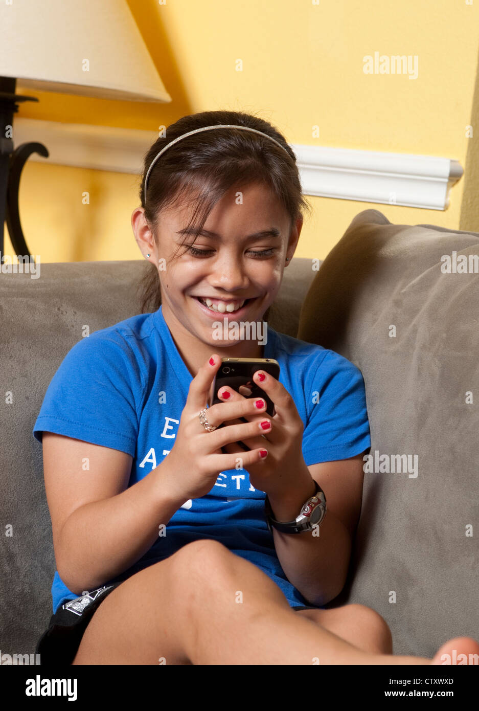 Asian american 10 year old stockfotos asian american 10 for Amerikanische mobel
