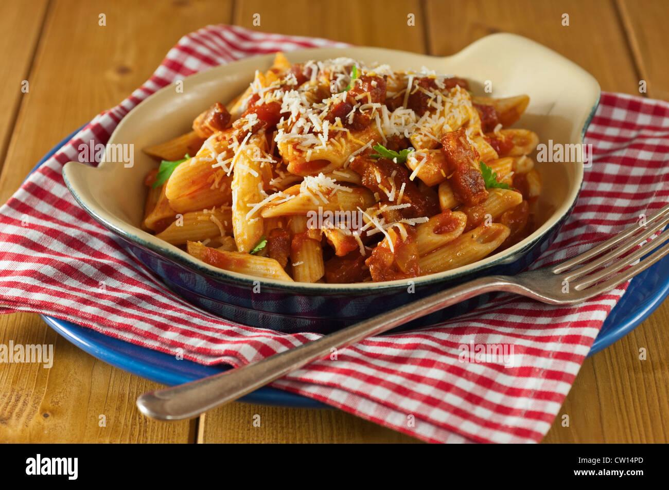 Penne all'Amatriciana italienische Küche Stockbild