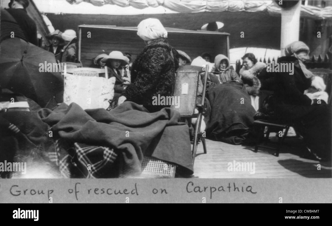 Überlebende der Titanic-Katastrophe an Bord der Carpathia nach seiner Rettung, 1912. Stockbild