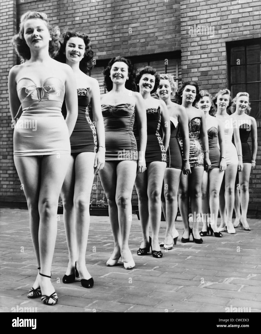 Miss New York City Schönheit Teilnehmer Line-up auf ein Stadthotel in 1952. Stockbild