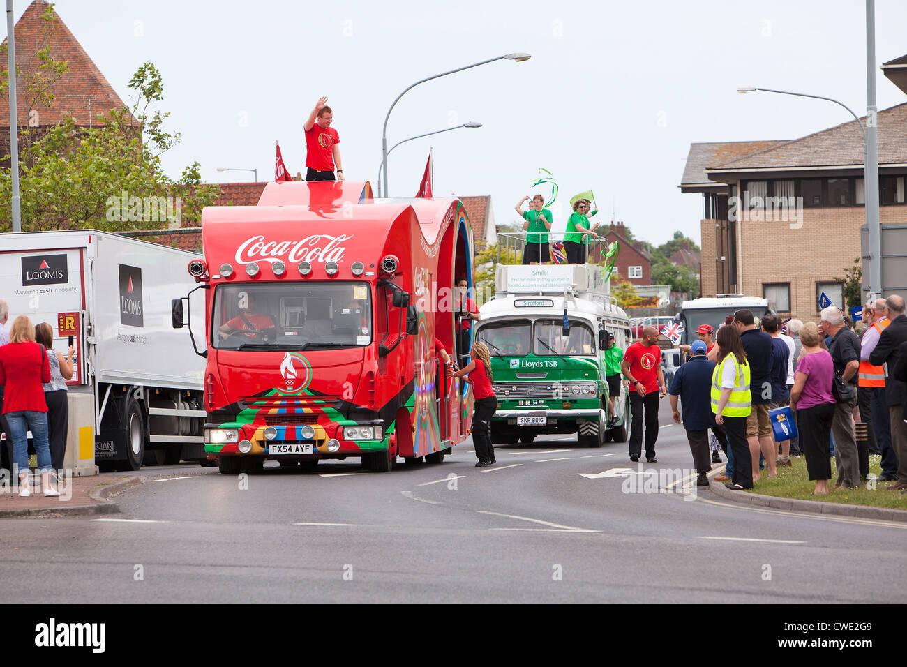 London 2012 Olympische Sponsor Coca Cola Float in Fackel-Relais-Prozession Stockbild