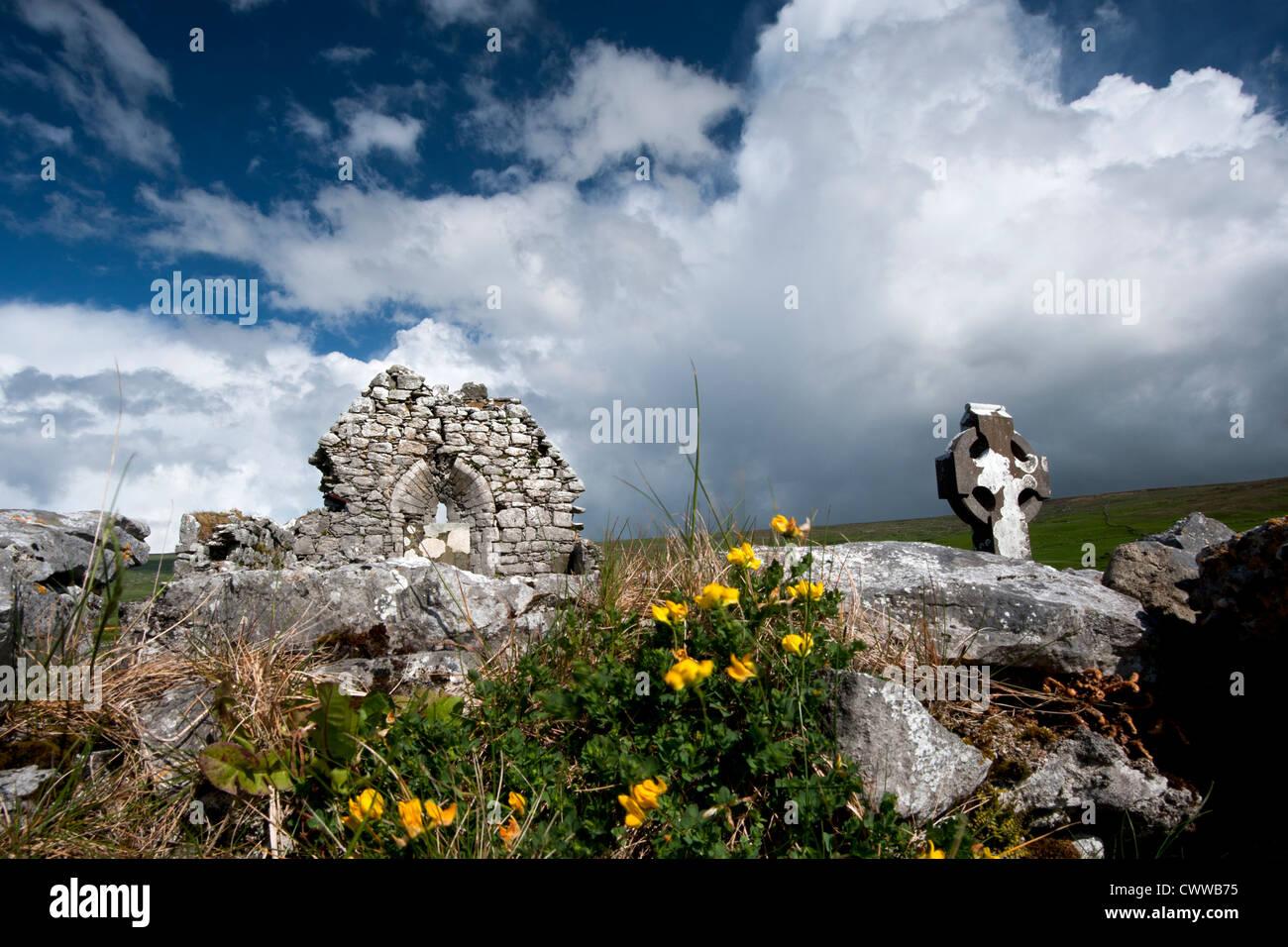 Stein-Ruinen in ländlichen Landschaft Stockbild