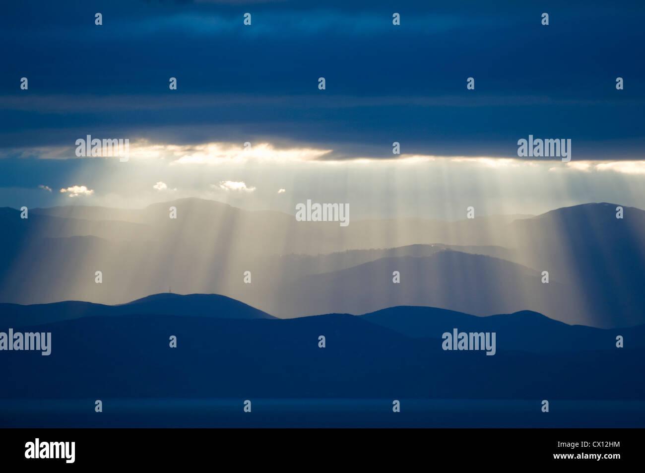 Panorama Blick auf die Berge am Pagasitischen Golf (Halbinsel Pilion, Thessalien, Griechenland) Stockbild