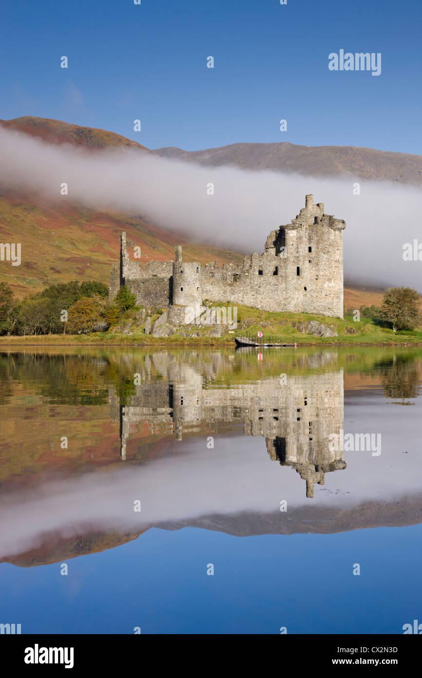 Ruine des Kilchurn Castle am Loch Awe, Argyll & Bute, Schottland. Herbst (Oktober) 2010. Stockbild