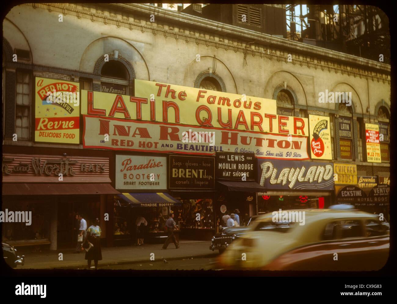 Quartier Latin 1948 1940s Farbe Kodachrome New York City Manhattan Ina Ray Hutton jazz Playland Billy Autos Straßenszene Stockbild