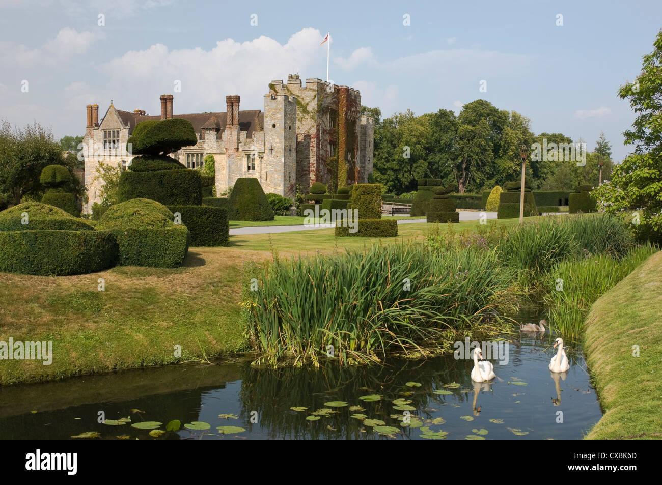 Hever Castle aus dem 13. Jahrhundert, Kindheit Zuhause von Anne Boleyn, Kent, England, Vereinigtes Königreich, Stockbild