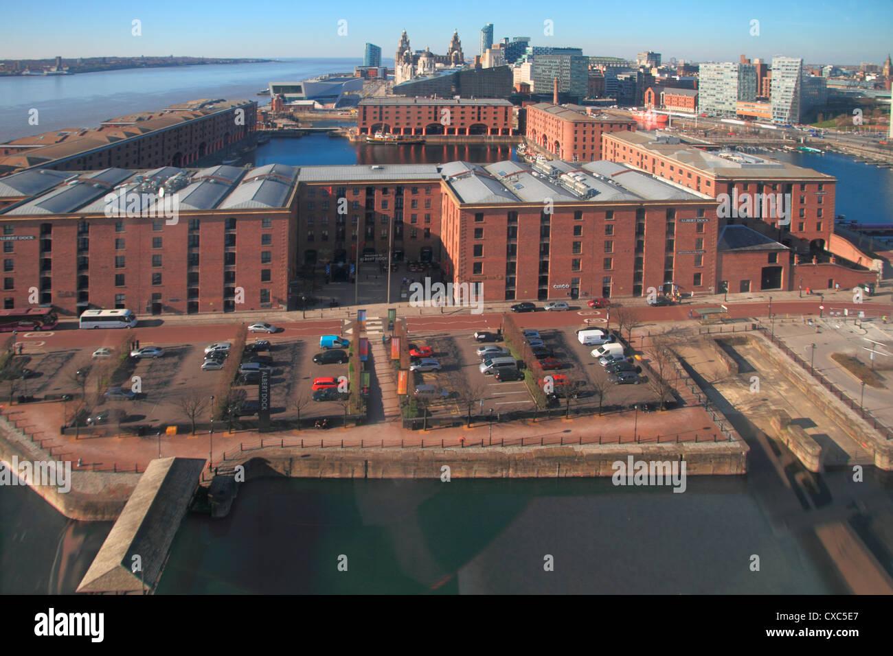 Albert Dock und Mersey Skyline vom Riesenrad, Liverpool, Merseyside, England, Vereinigtes Königreich, Europa Stockbild
