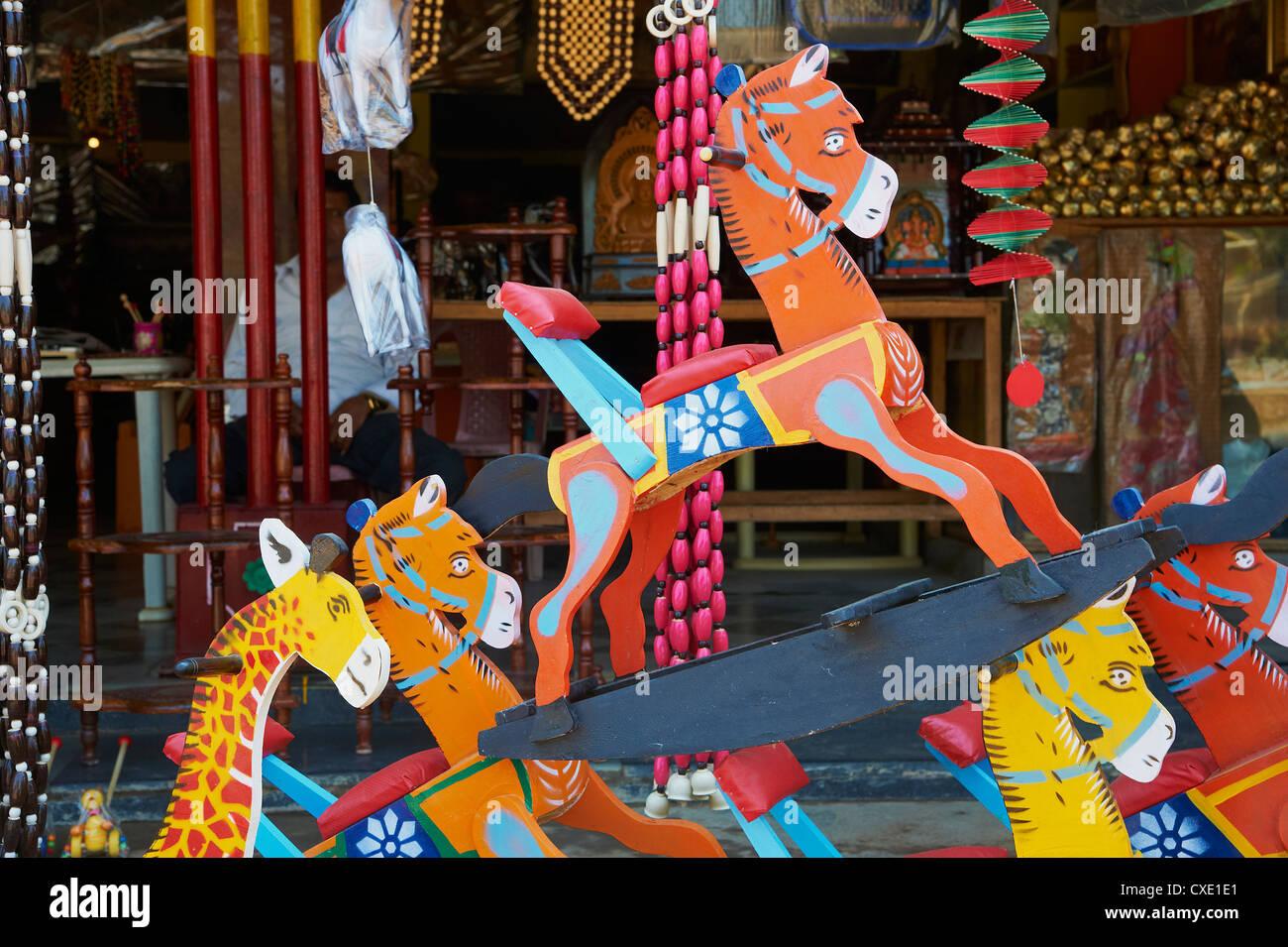 Channapatna Dorf, berühmt für Holzspielzeug, Mysore, Karnataka, Indien, Asien Stockbild