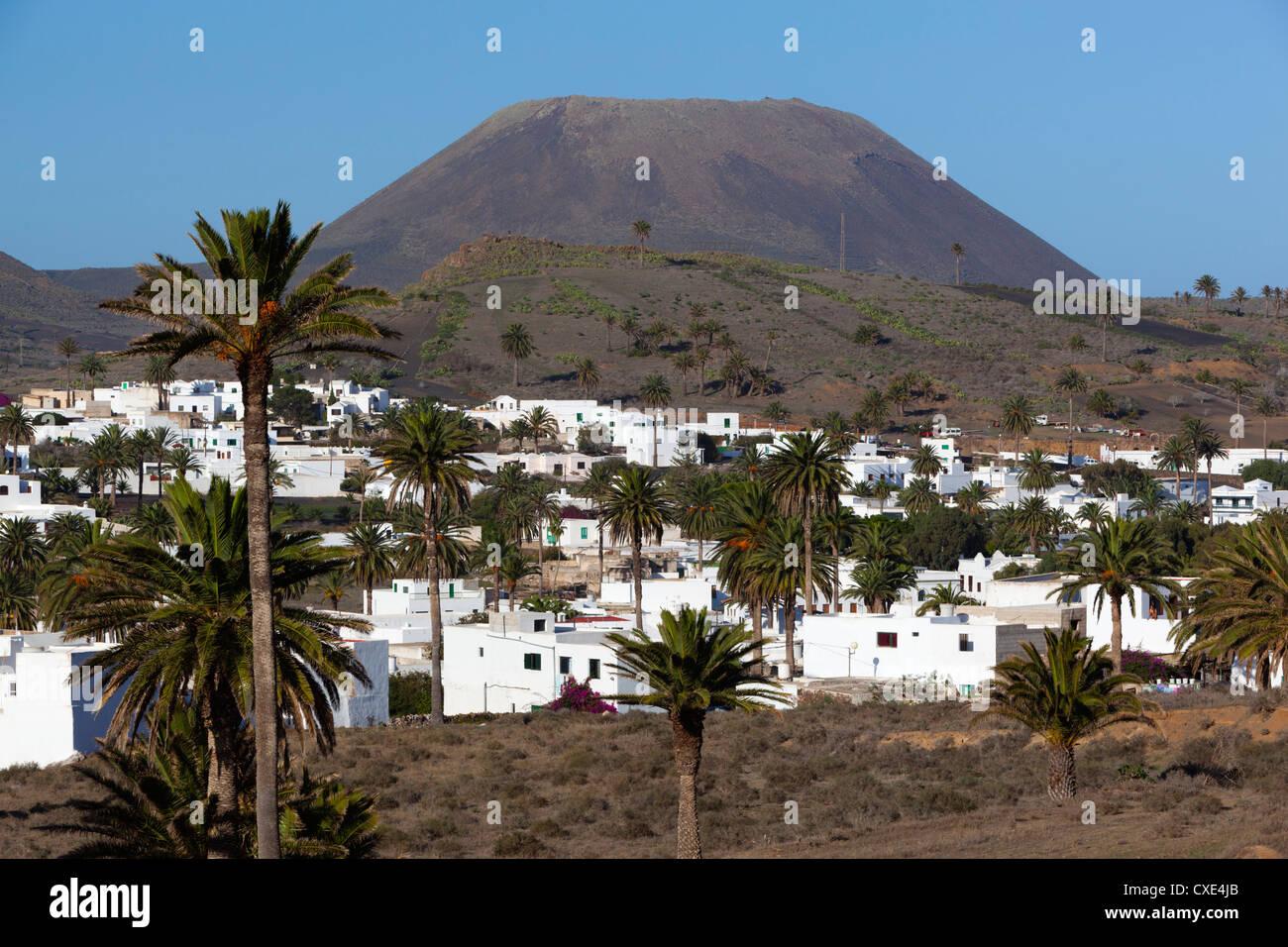 Blick über Dorf Haria, Lanzarote, Kanarische Inseln, Spanien Stockfoto