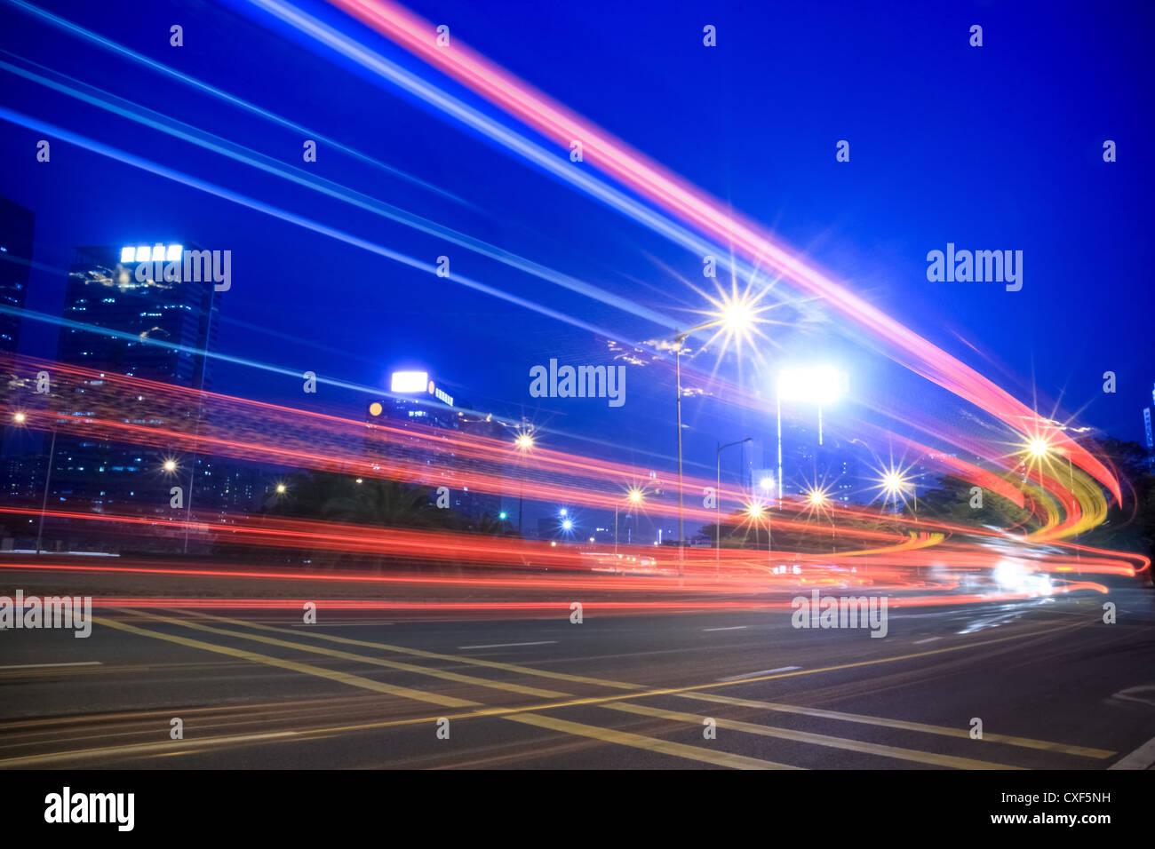 Lichtspuren der Autobahn Stockbild