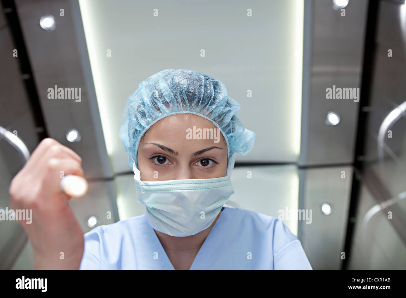 Chirurgen, die leuchtende Fackel, persönliche Perspektive Stockbild