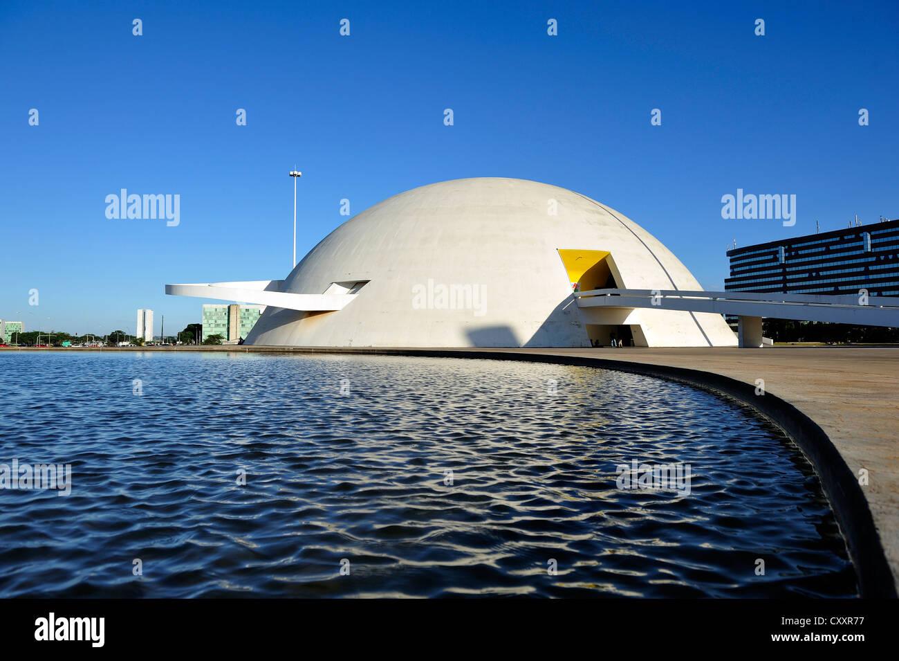 National Museum Museu Nacional Honestino Guimaraes, Architekt Oscar Niemeyer, Distrito Federal DF, Brasilia, Brasilien Stockbild