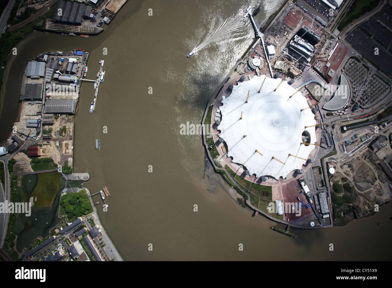 Luftaufnahme der O2-Arena auf der Themse, London Stockbild