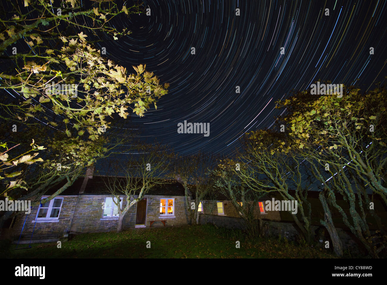 Landhaus mit Sternspuren Stockbild