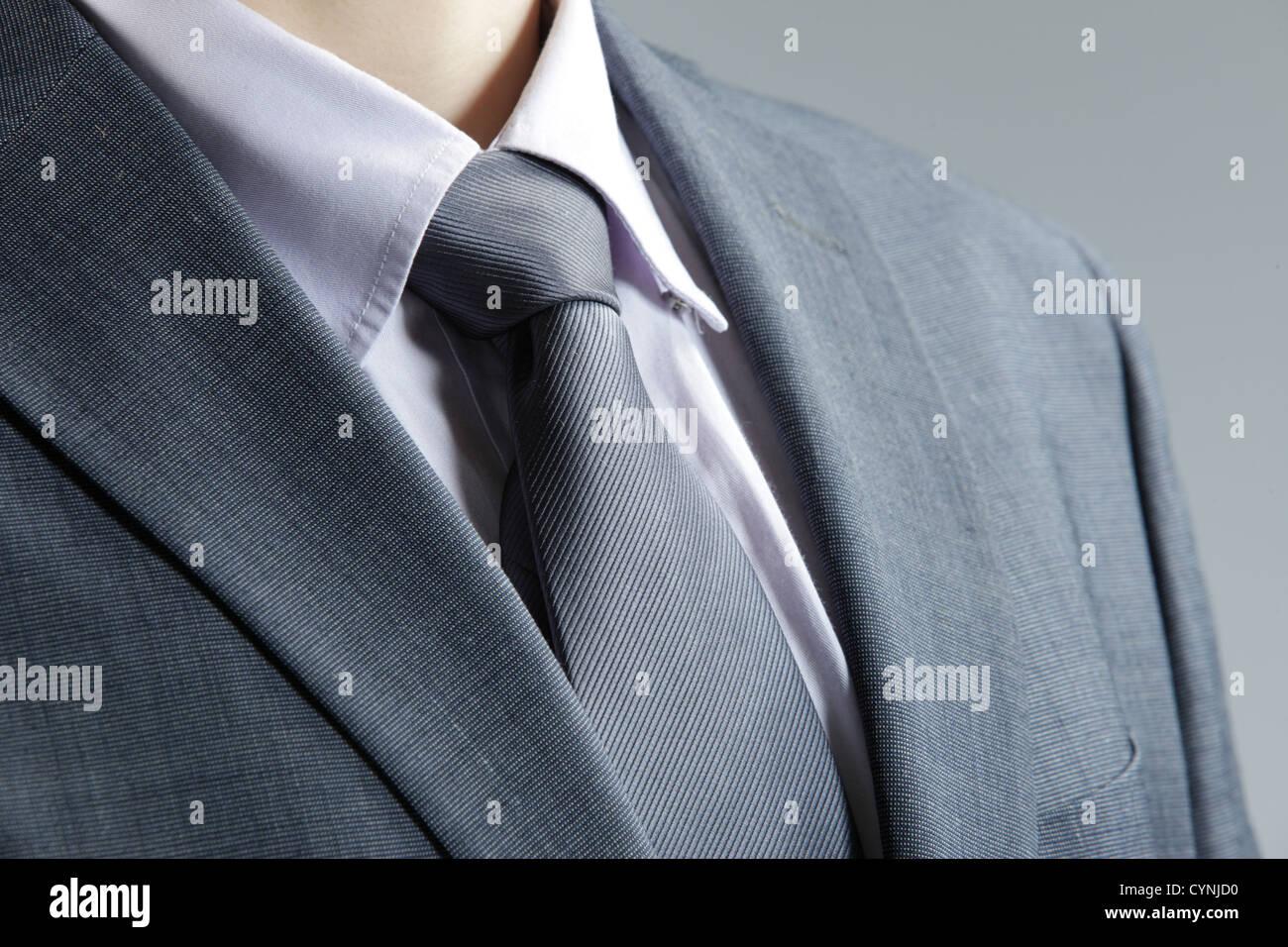Nahaufnahme des klassischen Business-Outfit mit Krawatte und eleganter Blazer. Stockbild
