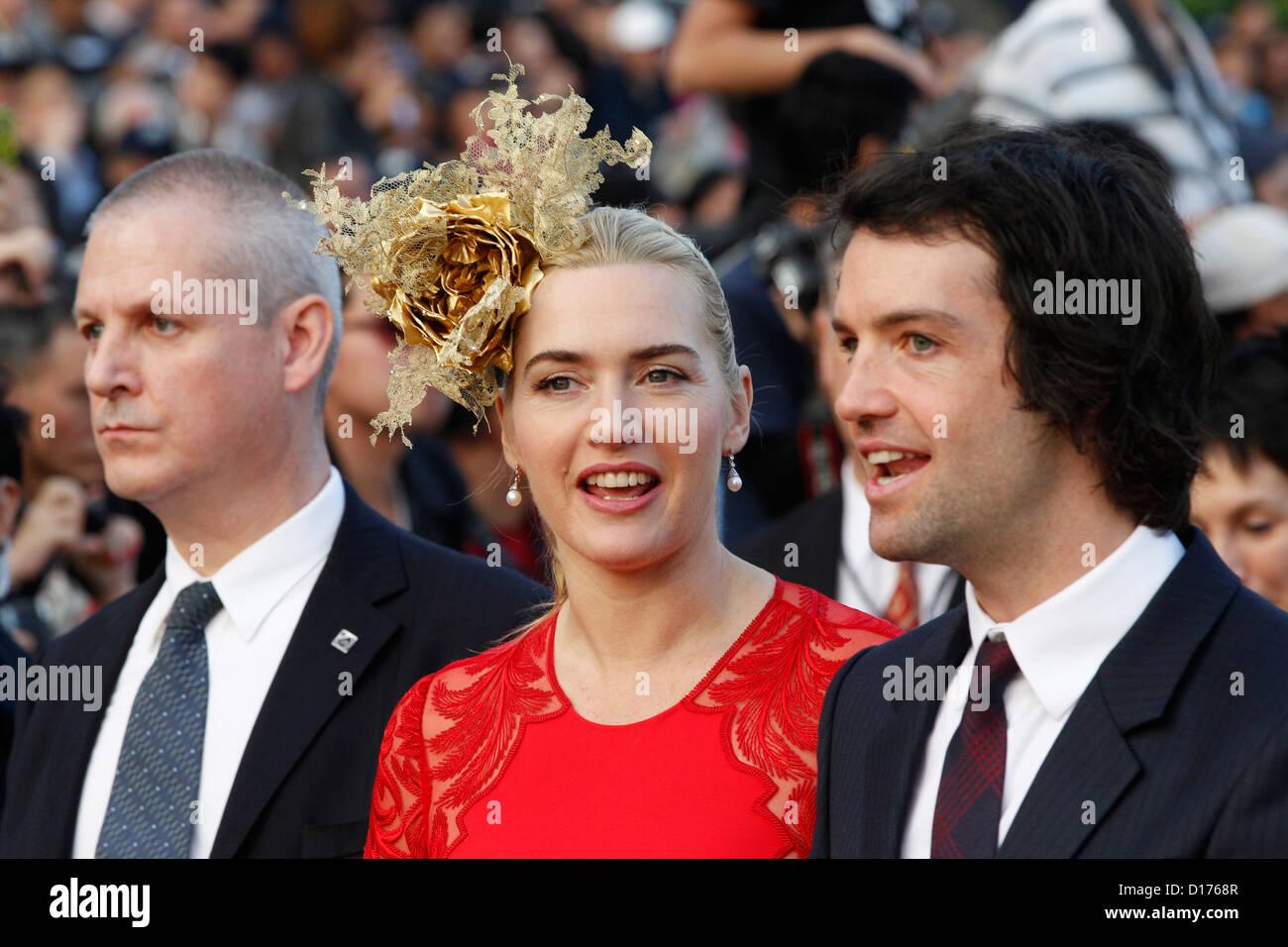 09.12.2012 - Hongkong; Kate Winslet (britische Schauspielerin) und Freund Ned Rocknroll während der Longines Stockbild