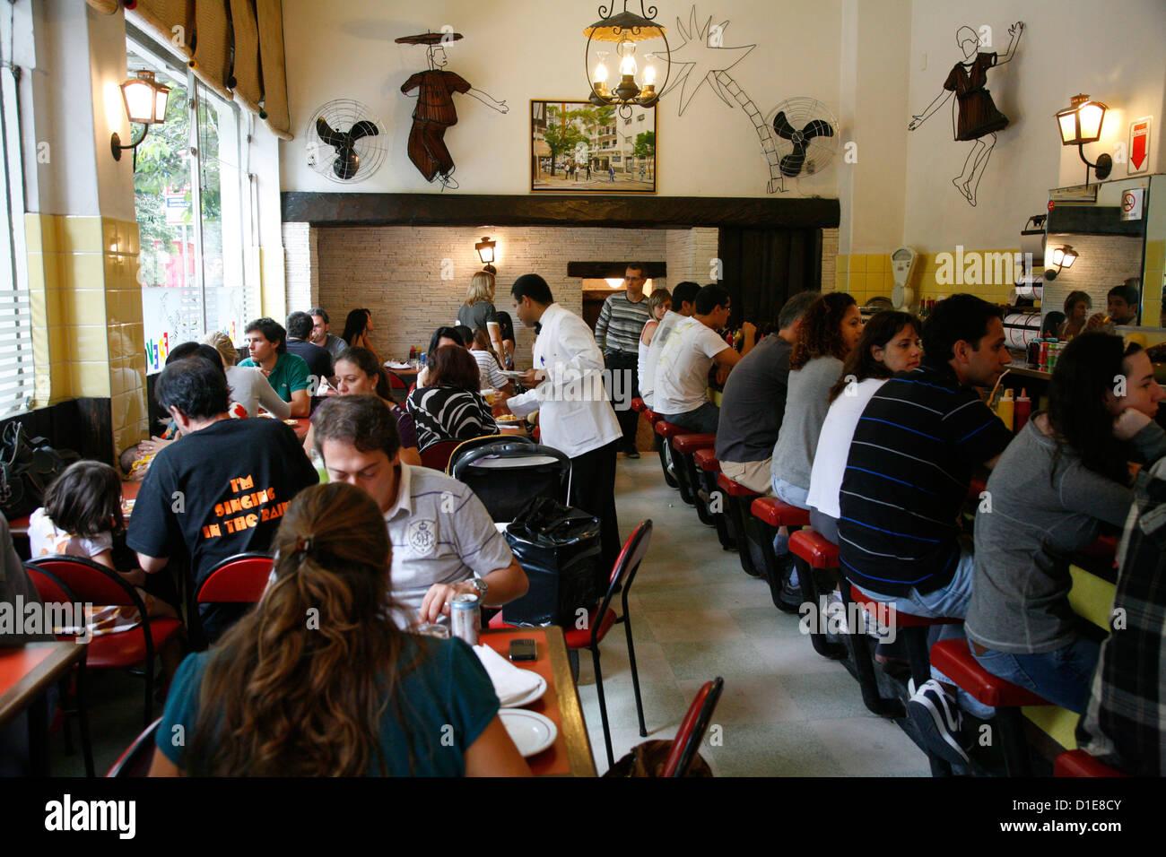 Prevo Bar und Restaurant im Rua Oscar Freire in den Jardins Gegend, Sao Paulo, Brasilien, Südamerika Stockbild
