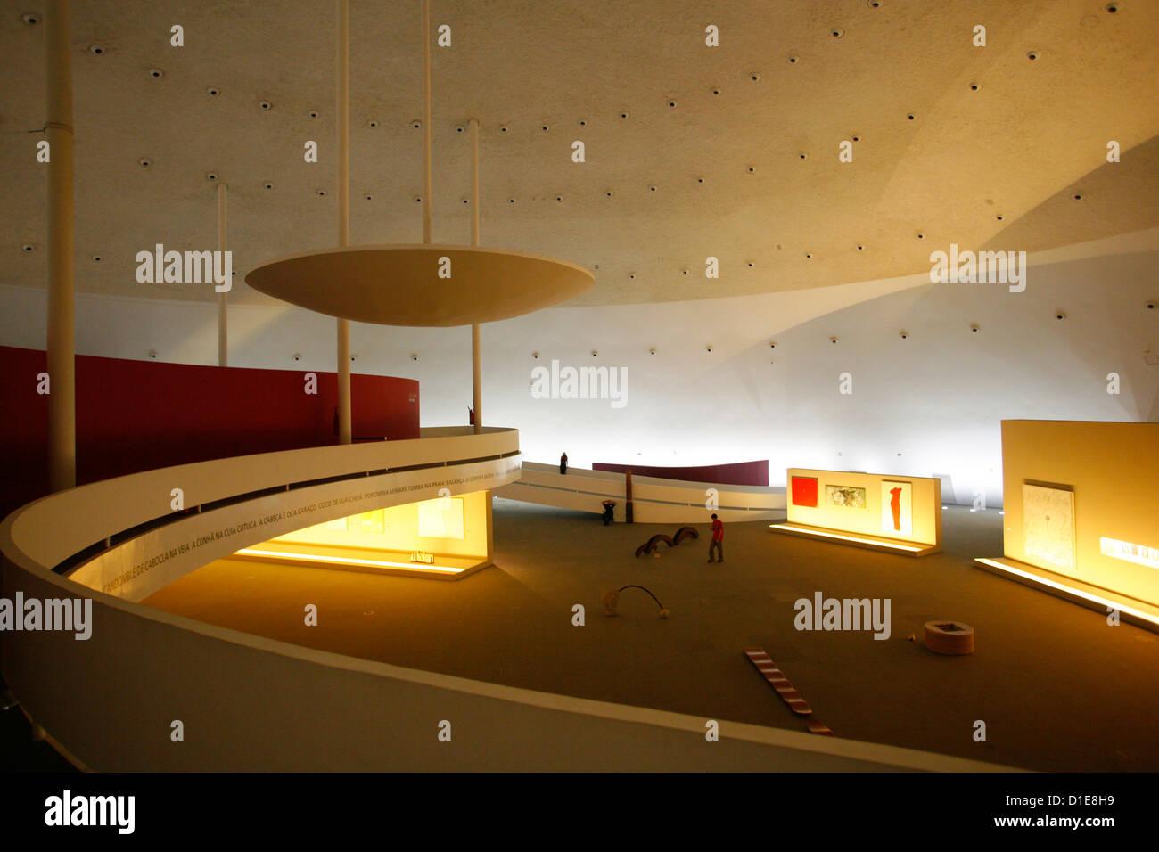 Museo Nacional (Nationalmuseum) entworfen von Oscar Niemeyer, Brasilia, UNESCO-Weltkulturerbe, Brasilien, Südamerika Stockbild