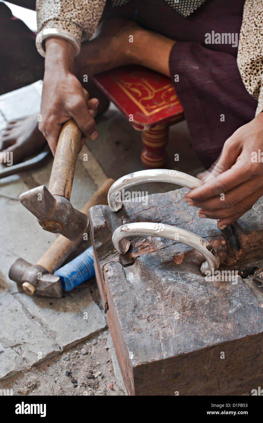 Schmuckherstellung in North Gujarat Zustand, Indien, Ostasien Stockbild