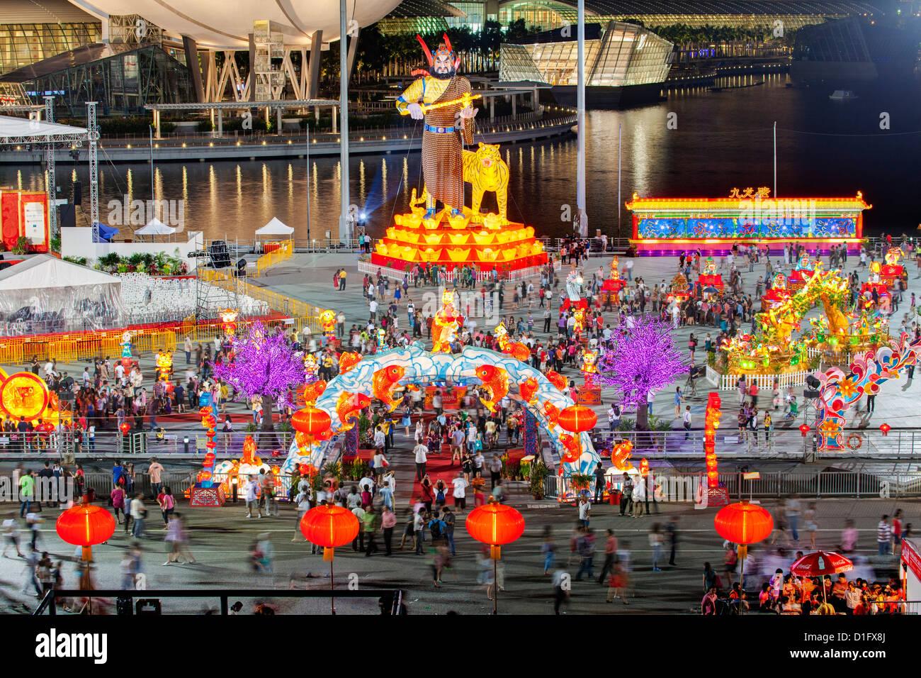 River Hongbao Dekorationen für Chinese New Year Feiern am Marina Bay, Singapur, Südostasien, Asien Stockbild