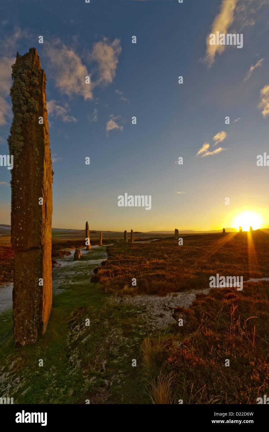Winter-Sonnenuntergang am Ring of Brodgar, Orkney Inseln Stockbild