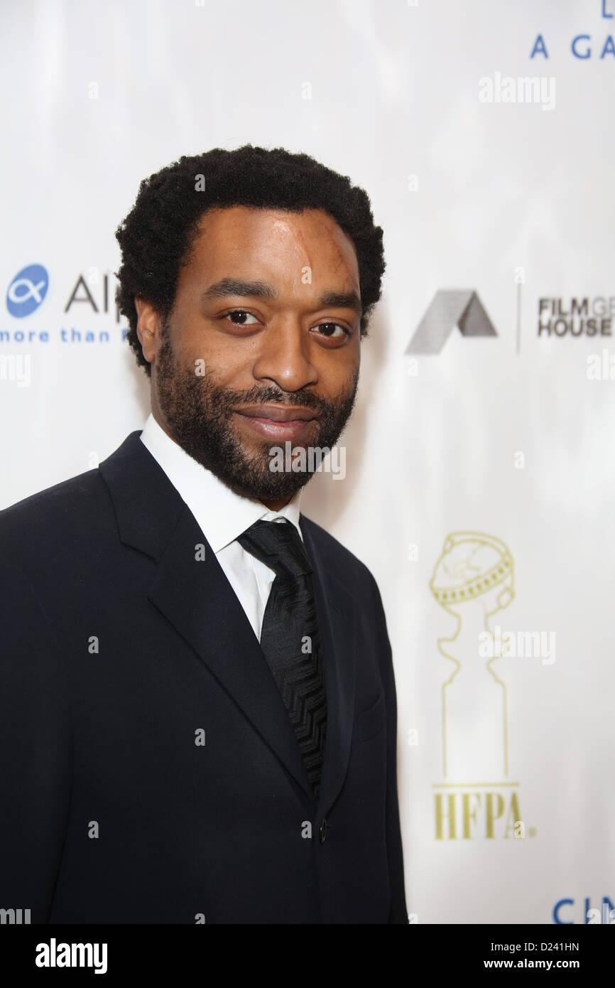 Britischer Schauspieler Chiwetel Ejiofor kommt im Kino für Peace Foundation Gala For Humanity im Hotel Beverly Stockbild